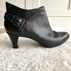 Cole Haan Black Leather Ankle Boots Booties in 10B